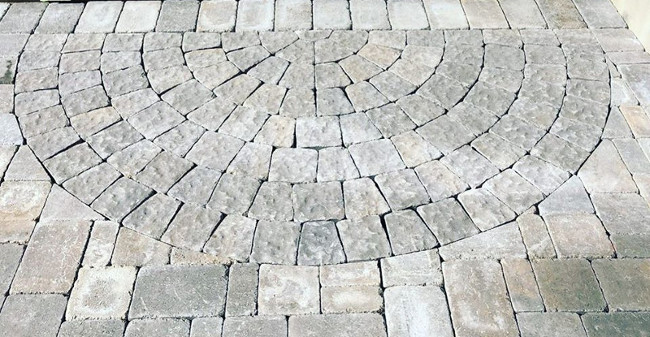 The Key Benefits of Paver Patios vs. Concrete Patios